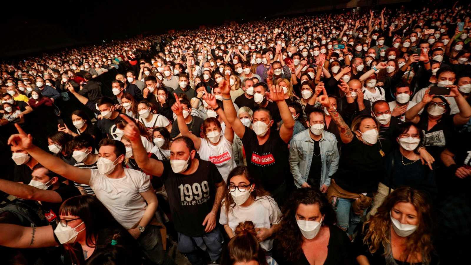 concierto en pandemia Love of Lesbian